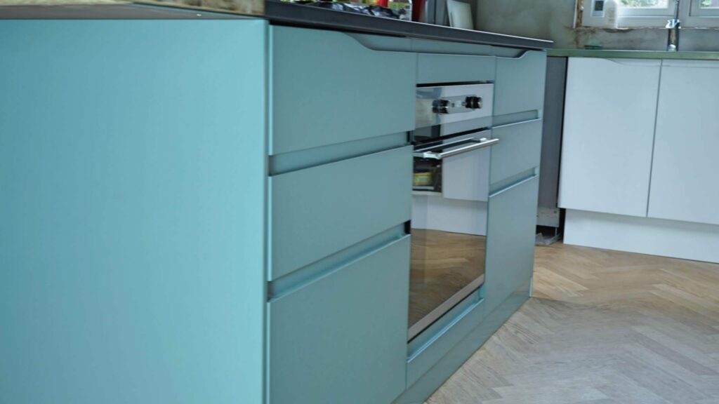 Handleless kitchen doors for IKEA Faktum cabinets.